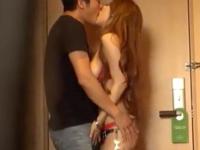 ランジェリーの美女のsexエロ動画無料。コートの中は乳丸出しランジェリー姿だった美女とホテルSEX