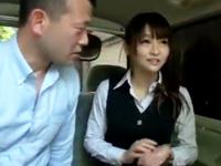 パンスト姿の人妻OLが着衣のまま変態さんと車内でガチハメ!