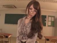 巨乳メガネ教師と誰も居なくなった教室で濃厚SEX!