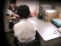 【JK レイプ】パイパンのJKのレイプ万引き中出しプレイ動画。【エロまとめ動画モンモン】
