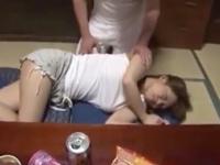 ナマイキボインの実娘が寝ているところを夜這いSEXする鬼畜パパ