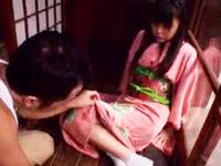 絶対的美少女つぼみが着物をはだけてヨダレを垂らしグポフェラ