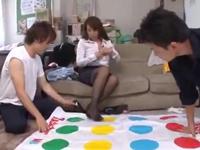 淫乱女教師とツイスターゲーム→生徒と3Pハメ!