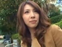 「おかしくなっちゃうぅ!」性欲持て余した素人妻ナンパ→デカマラぶち込んで鬼ピス開始!