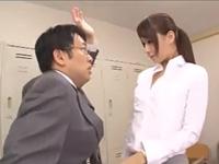 犯され願望の強い淫乱女教師が校内で生徒や同僚教員と乱交パラダイス