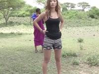 アフリカに行って現地民に案内してもらったギャルAIKAがお礼中出しセックス