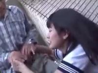 美少女JKが父親のチンポをベランダでフェラチオ→挿入ガチイキ昇天!