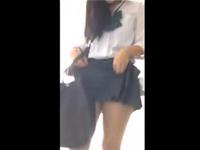 スマートフォン個人撮影のコスプレ女子校生と着衣ハメ撮りセックス