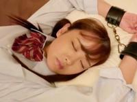 「すごぃいっぱい出てる…」ツインテの美少女JKを自宅に連れ込みハメる!