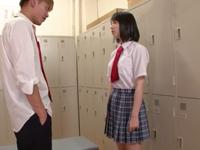 「誰か来ちゃうよぉ」激カワな同級生と学校のトイレで中出し性交!