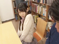 図書館でローター入れてる淫乱JKを追求して痴漢レイプに持ちこむ