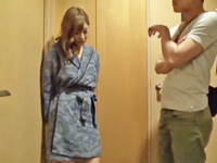 巨乳美女明日花キララが不機嫌ながらも手コキ&フェラ抜き!