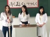 「もっと‥もっと来てぇ!」放課後の教室で大乱交するド変態女教師w