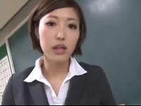 「お願い中に出してッ!」女教師が生徒のチンポで突かれアヘ顔イキ!