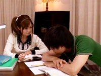 「こんなに出しちゃってぇ」美人な家庭教師が教え子を手コキ&フェラ抜き!