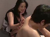 小向美奈子がM男を優しくリードし快楽へと誘うw