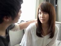 イケメンとの恋人プレイで股間が大洪水な美少女が生チンポに恍惚イキ!