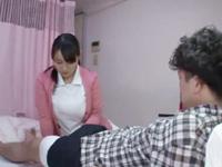 入院中の少年がフル勃起→爆乳看護士が自ら跨り騎乗位ハメ