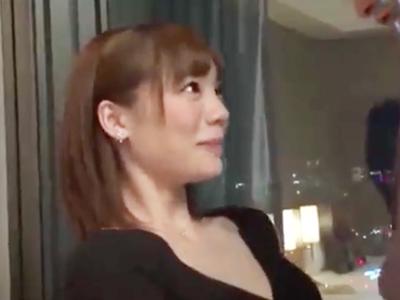 「ここ‥気持ちいい?」激カワ彼女と夜景の綺麗なホテルでイチャパコ!