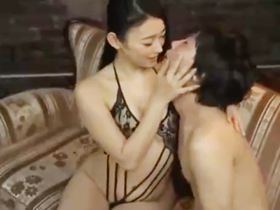 性感エステで働く美人妻がM男チンポをご奉仕フェラマッサ!