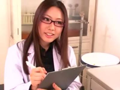 「すごぃ出しましたね」ビッチな女医が患者のチンポを手コキ&フェラ抜き