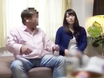 クンニに腰をくねらすまだ20代の若妻たちの魅せる不倫セックス