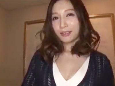 長身イケメン男優のプロ技とチンポを知ってしまいもう普通のSEXに戻れない妻