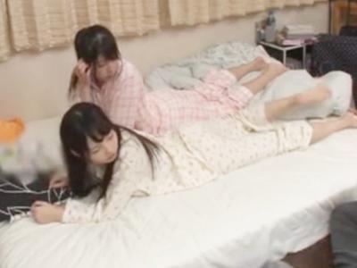 美少女に成長した妹2人と川の字就寝→勃起しちゃって近親3P!