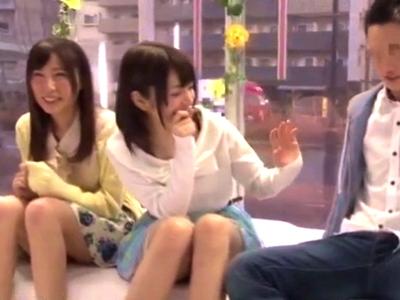 「ほんとに触っちゃうよ?w」MM号でスワッピング乱交にハマる大学生カップル