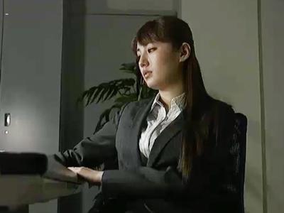 会社の受付嬢と警備員の情事を目撃した美人OLを自宅で脅迫中出しレイプ