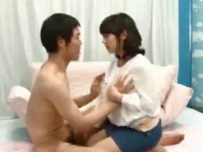 童貞相手にだんだんと興奮してくる日本人離れしたルックスの美女