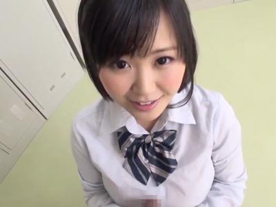 「じゅぷぅ…ぢゅるぢゅる…」制服女子高生が爆音バキュームフェラ