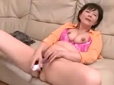 アナルまで舐め回す性欲モンスターな熟女が若チンポにヨガりイキ