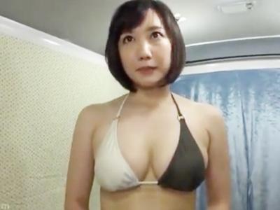 「え…大丈夫かな?」海水浴場でナンパした巨乳妻に無許可中出しw