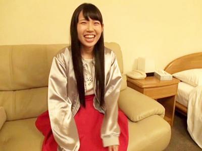 大阪から状況したての素人娘のエヴァコスSEXデビュー作