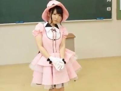 「いっぱい中に出していぃよぉ♪」パイパン美少女アイドルがPV撮影で業界人に迫られ着衣3P