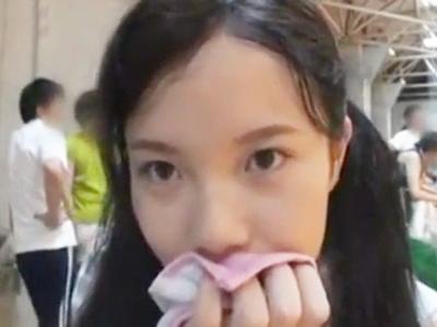 ホームビデオでJK娘のフェラを撮影する変態パパ