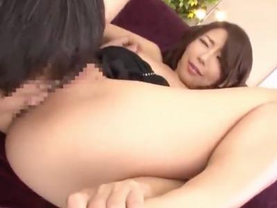 中野区在住のセレブな巨乳人妻と不倫SEX→熟れた膣奥にザーメン注入!