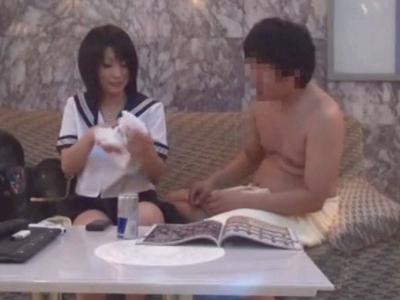 「なんで中なの…」円光JKがラブホでオヤジに中出しされる一部始終を盗撮!