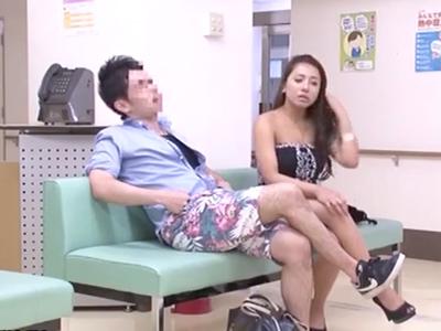 妊娠検査に来たヤれそうなギャルのみを狙ってレイプする鬼畜医師w