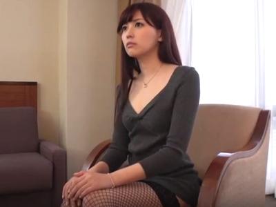 「激しくして…」モデル体型のスレンダー美女と濃厚ハメ!