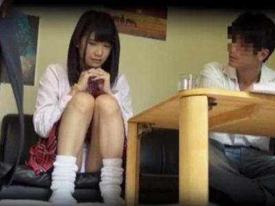 ロリアイドルが枕営業中のイラマ口内発射に号泣する衝撃盗撮一部始終!
