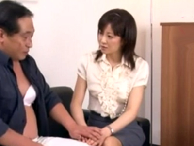 「みんなヤってますよ?」人妻OLが取引先の社長室でリアル肉欲接待!