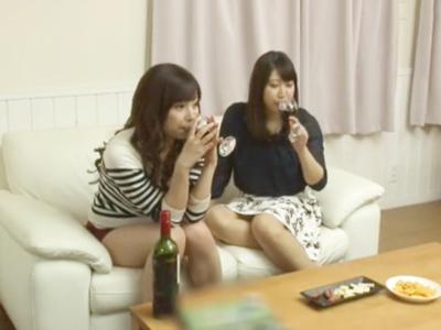「一緒にイコっ?」ほろ酔いお姉さん達と3Pハメ!
