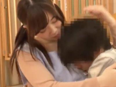 ビッチな巨乳のお姉さんショタの、中出し無料H動画!【お姉さん、ショタ動画】