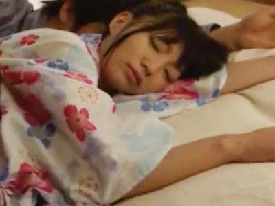夏祭りで疲れて浴衣のまま寝ちゃった妹を夜這いした兄