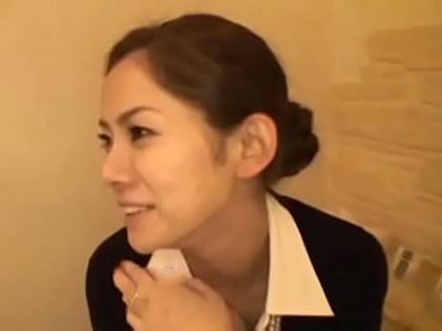 「ダンナに悪いんで…」自ら応募したのに何言ってんだっていう吉田羊激似の素人妻