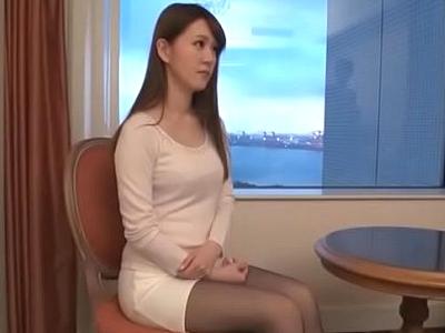 「最近全然してなくて」欲求不満な美人受付嬢とホテルでハメ撮り!