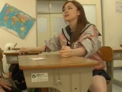 「私とHしたい?」教室で誘われて理性崩壊する男子校生