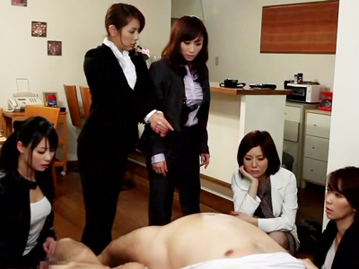 人妻捜査官たちが敵の口を割るため手コキ&フェラ拷問